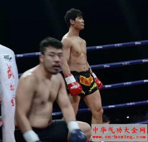 2015王者晋级_武林风荥阳站 方便KO豪取连胜 徐吉晋级8强