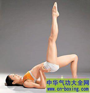 腰部锻炼瑜伽 三招适合腰部锻炼瑜伽动作